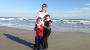 mom sea and boys